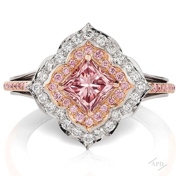 http://www.argylepinkdiamonds.us/upload/product/1.01_Princess_IntensePink2.jpg