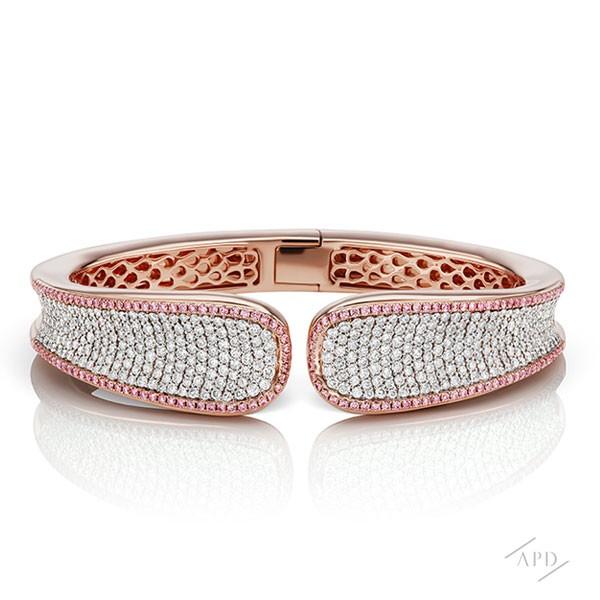 http://www.argylepinkdiamonds.us/upload/product/argylepinkdiamondbangle_reverse.jpg