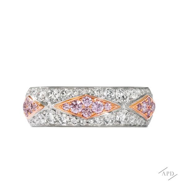 http://www.argylepinkdiamonds.us/upload/product/argylepinkdiamonds_APDUS_WEB_RWBH12_ALT_Shad.jpg