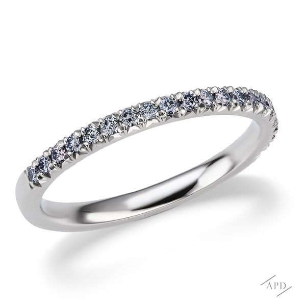 http://www.argylepinkdiamonds.us/upload/product/argylepinkdiamonds_bluehalfband.jpg