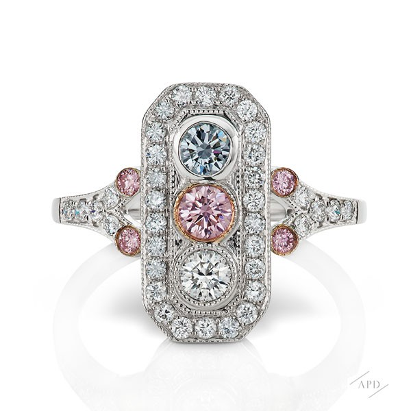 http://www.argylepinkdiamonds.us/upload/product/argylepinkdiamonds_deco_r1_01.jpg