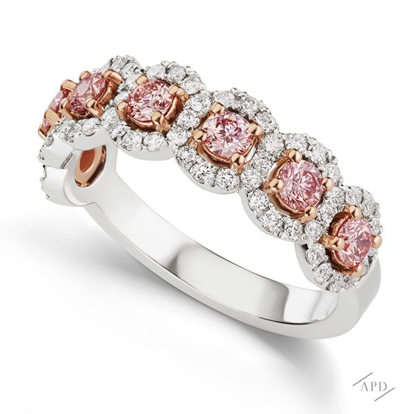http://www.argylepinkdiamonds.us/upload/product/argylepinkdiamonds_halfband_pinkhalo.jpg