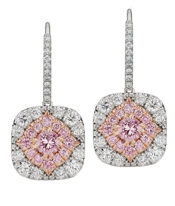 http://www.argylepinkdiamonds.us/upload/product/diamondhaloearringweb.jpg
