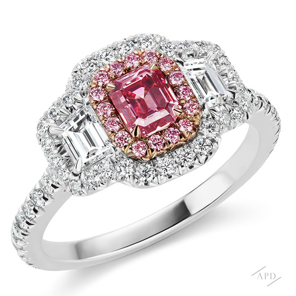 3 Stone Ring with 0.58ct Emerald Cut Fancy Vivid Purplish Pink